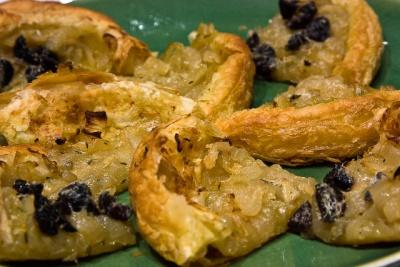 caramelized onion and olive croustade