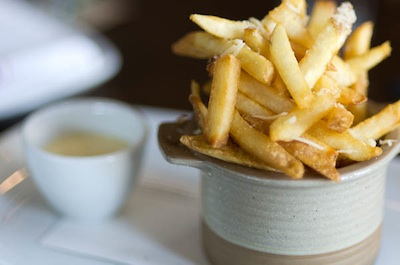 pommes frites at second bar