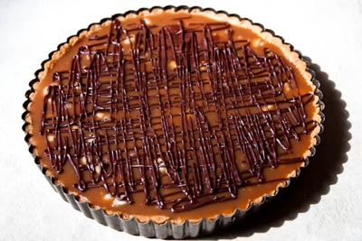 whole chocolate caramel macadamia nut tart